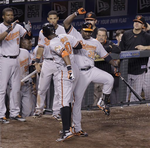 Jones homers in 15th, lifts Orioles to win