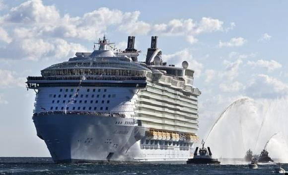 World's largest cruiseship, Allure of the Seas, sets sail