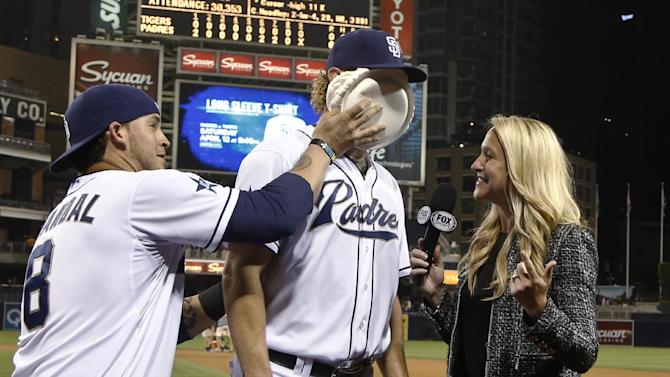 Cashner one-hits Tigers in 6-0 Padres win