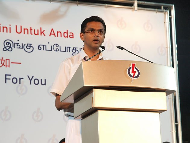 Tamil speaker Muhammad Faruk S/O Noor Mohammad was the first speaker to address the crowd. He is also an Hougang resident. (Yahoo! Singapore/ Alvin Ho)