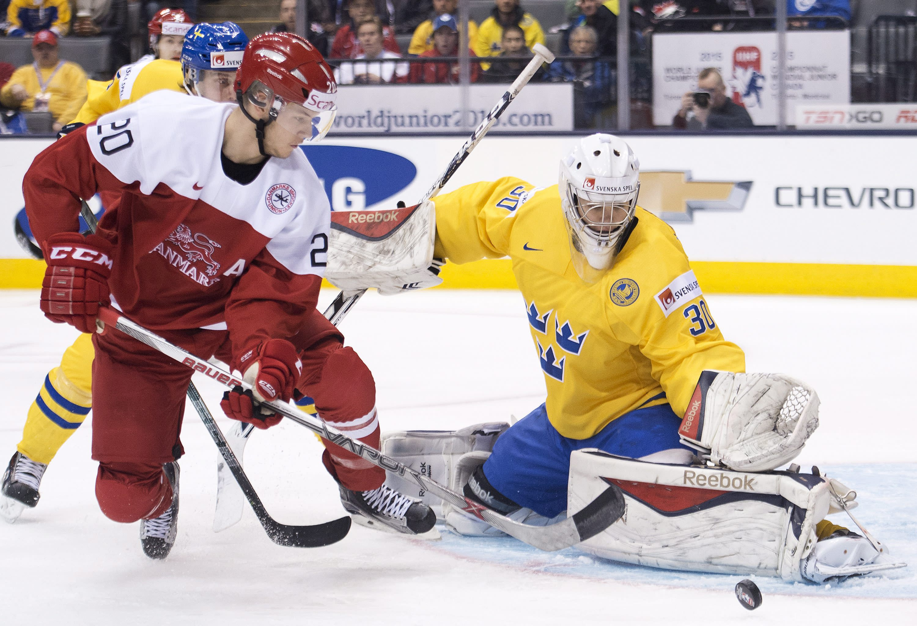 Sweden beats Denmark 5-1 in world junior hockey