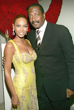 Beyonce's Dad Remarries: Singer and Sister Solange Do Not Attend