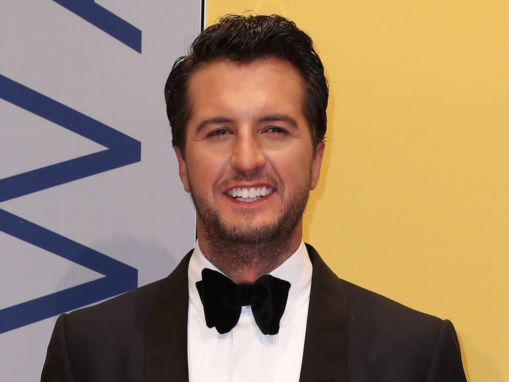 Luke Bryan Confirmed for National Anthem at the Super Bowl