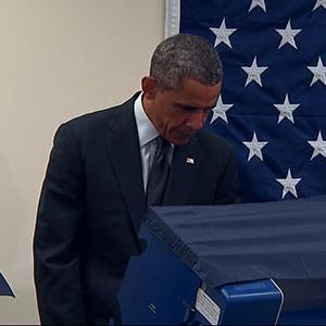 Obama Casts His Ballot Early in Chicago