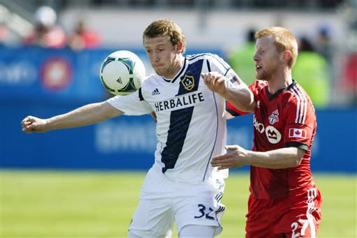 Villarreal scores in 92nd, Galaxy tie Toronto 2-2