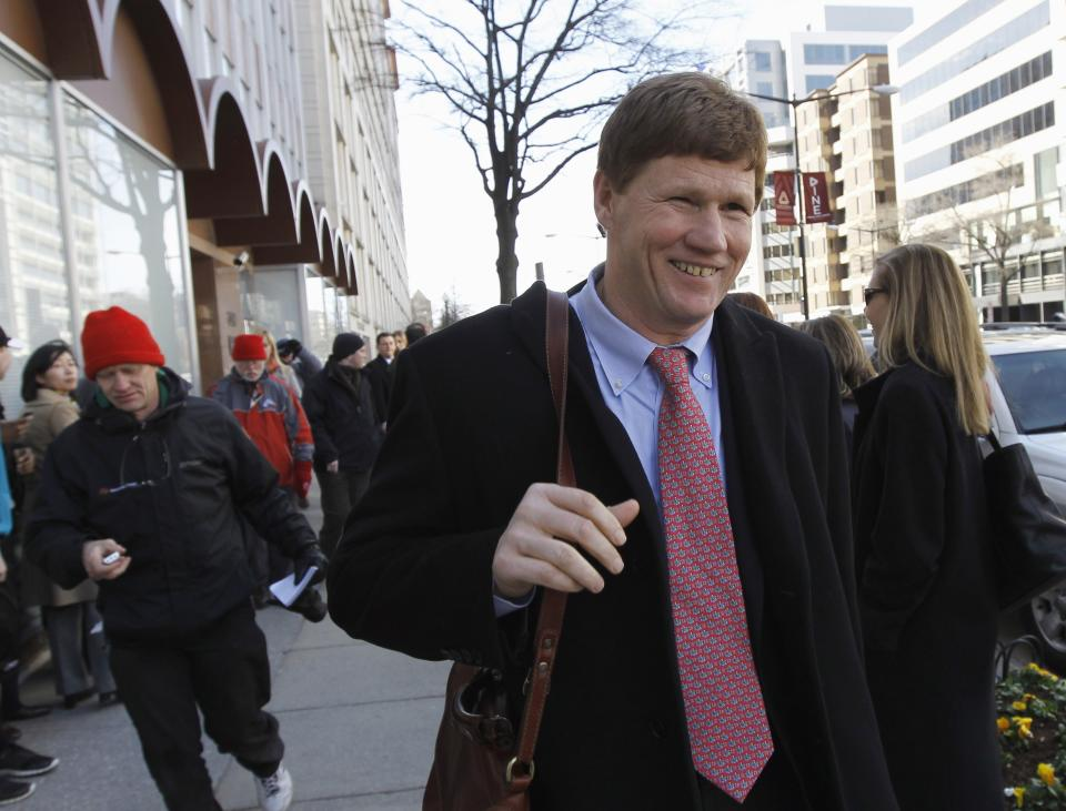 Green Bay Packers President Mark Murphy leaves the football labor negotiations with the NFL players involving a federal mediator, Friday, March 4, 2011, in Washington. (AP Photo/Alex Brandon)