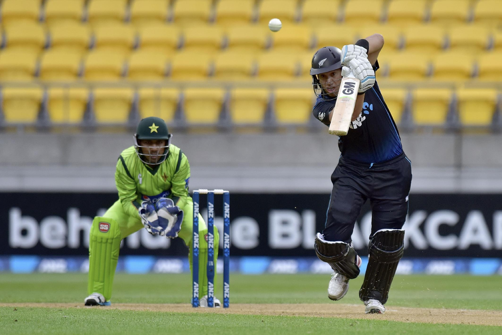 New Zealand coast to seven-wicket win over Pakistan