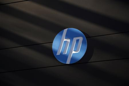 A Hewlett-Packard logo is seen at the company&#39;s Executive Briefing Center in Palo Alto, California January 16, 2013. REUTERS/Stephen Lam