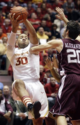 Allen's 25 help Iowa State pound Texas A&M 69-46