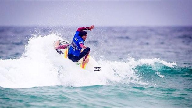 Reubyn Ash (GBR) flies into Round Two of competition at Newquay. Aquashot / ASPeurope.com