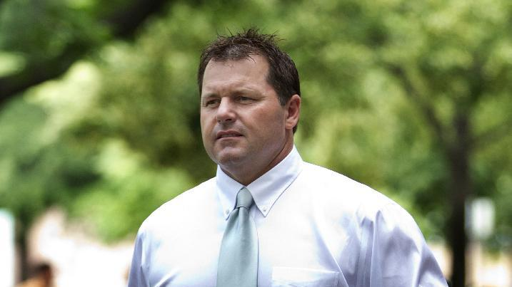 Former Major League Baseball pitcher Roger Clemens arrives at federal court in Washington, Wednesday, May 23, 2012.  (AP Photo/Manuel Balce Ceneta)