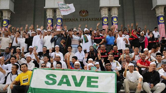 No Christian conspiracy to convert Muslims, church leaders insist