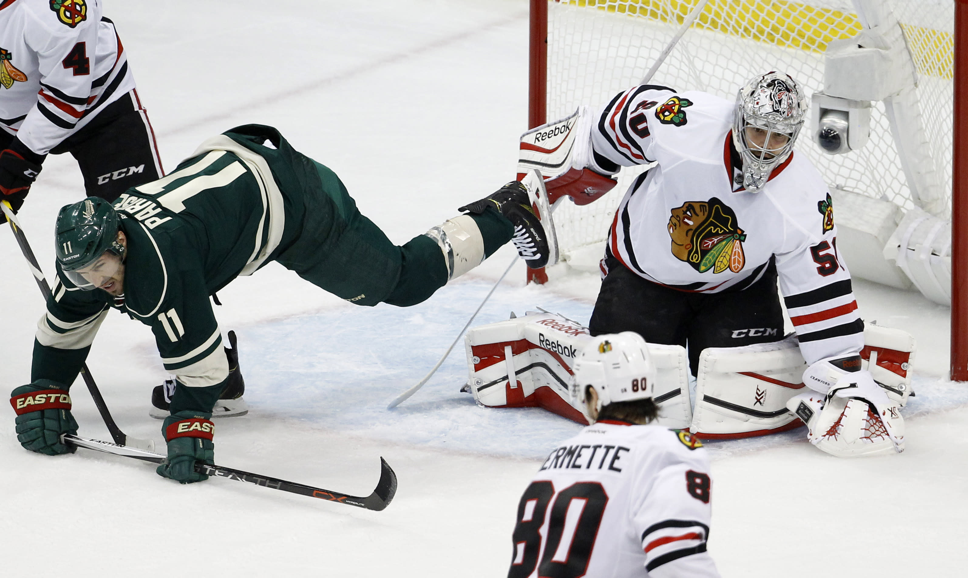 Crawford back in winning form as Blackhawks blank Wild in Game 3: 'He's a star against us'