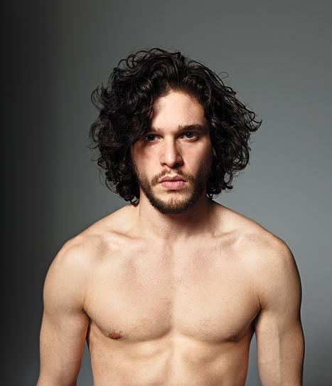 Game of Thrones Star Kit Harington Shows Off Sexy Shirtless Body!