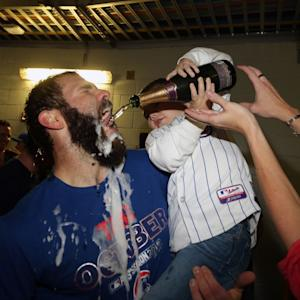 Toddler is the highlight of Cubs postgame celebration
