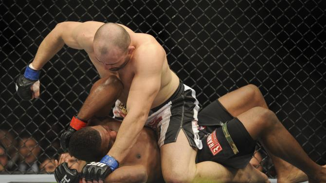 MMA: UFC on FOX 6-Jackson vs Teixeira