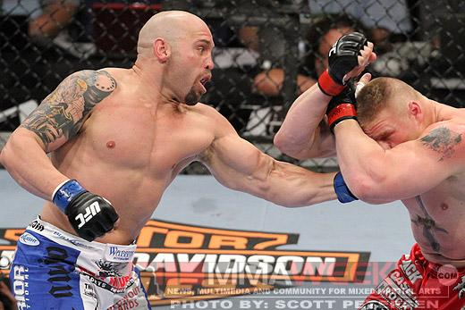 Former UFC Interim Heavyweight Champion Shane Carwin Announces Retirement
