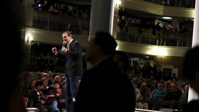Cruz holds a rally at Morningstar Fellowship Church in Fort Mill, South Carolina