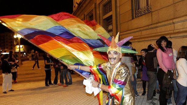 Uruguay Approves Gay Marriage, United States Waits Impatiently