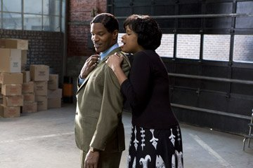 Jamie Foxx and Jennifer Hudson in DreamWorks Pictures' and Paramount Pictures' Dreamgirls