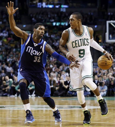 Pierce scores 34 as Celtics top Mavs in double-OT