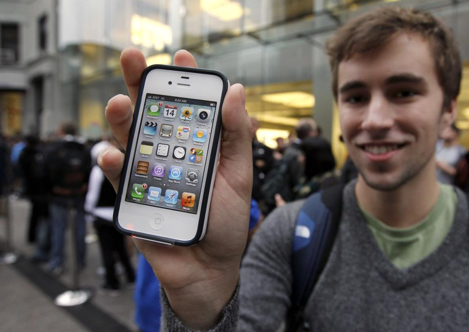 Apple trumps expectations, sells 35M iPhones in 2Q