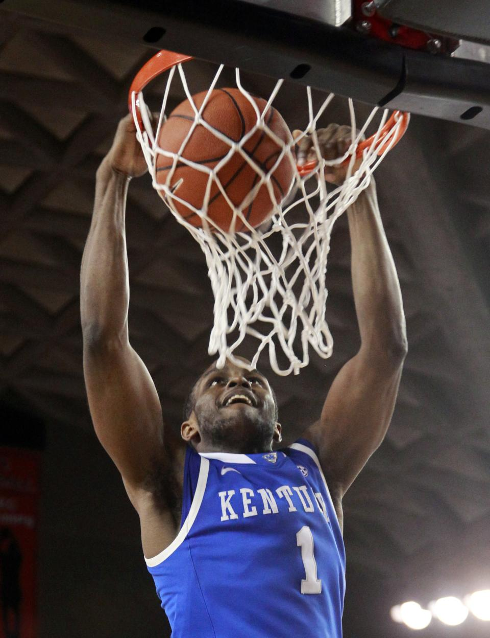Kentucky guard Darius Miller scores in the second half of Kentucky's 57-44 win over Georgia in an NCAA college basketball game Tuesday, Jan. 24, 2012, in Athens, Ga.   (AP Photo/John Bazemore)