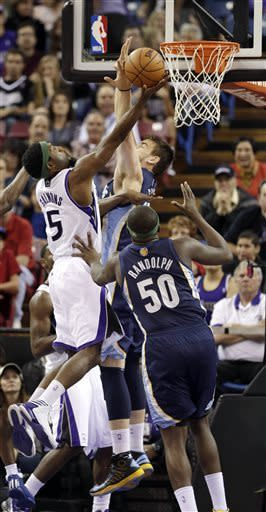 Conley carries Grizzlies past Kings, 89-87