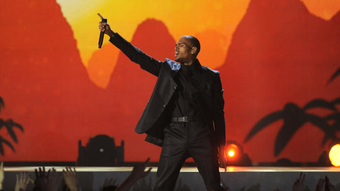 Chris Brown performs at the Billboard Music Awards at the MGM Grand Garden Arena on Sunday, May 19, 2013 in Las Vegas. (Photo by Chris Pizzello/Invision/AP)