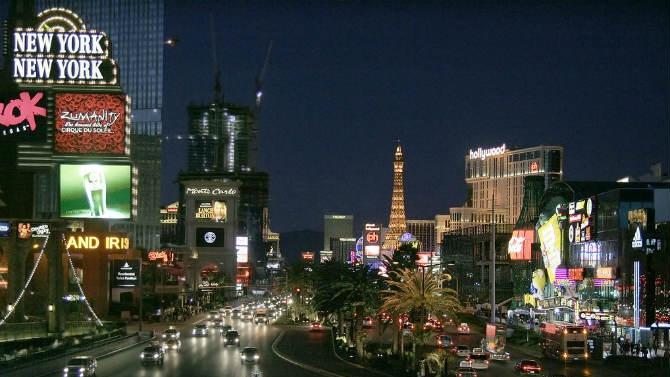 Tips on When to Go, What to See, Where to Eat in Las Vegas