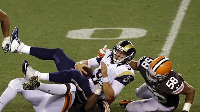 Weeden, Browns look sharp in opener vs. Rams
