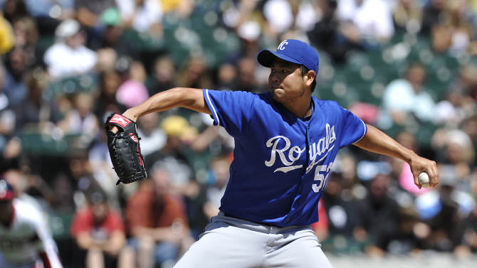 Royals beat White Sox 4-2 for 6th straight win