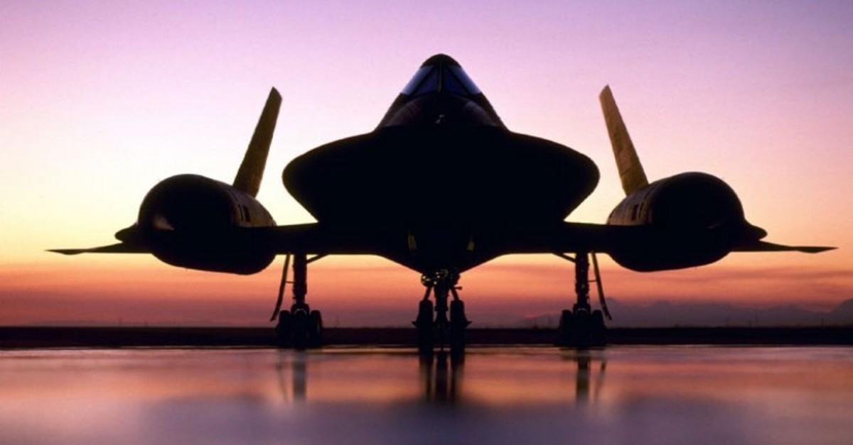 15 Mind Boggling Facts About the SR-71 Blackbird