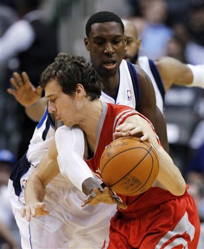 Mavericks finally overcome Rockets for 90-81 win