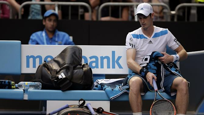 Murray smashes racket, calmly moves on to quarters