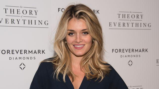 Daphne Oz Hits the Beach in Bikini One Month After Giving Birth