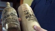 Las casi centenarias botellas de whisky de Bryan Fite (ABC News)