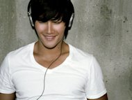 Kim Jong-kook to return to music
