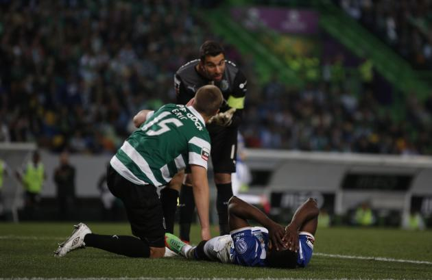 Porto's Martinez reacts after a missed scoring opportunity near Sporting's goalkeeper Patricio and Dier during their Portuguese premier league soccer match at Alvalade stadium in Lisbon