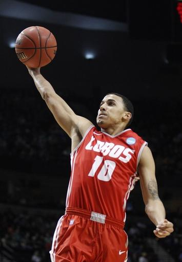 New Mexico holds off No. 21 UConn 66-60