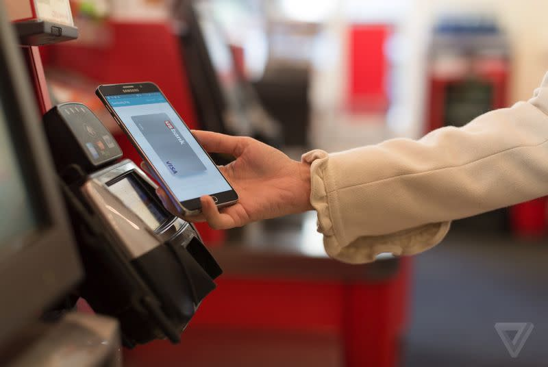 Verizon will support Samsung Pay in a 'future software update'