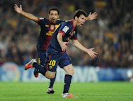 Lionel Messi dan Xavi berseleberasi. (Getty Images/Jasper Juinen)