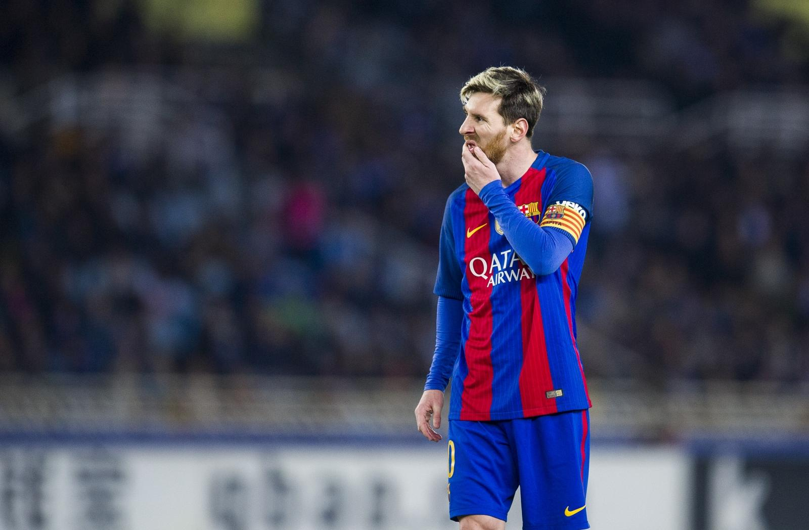 Manchester City hold talks with Barcelona over world-record move for Lionel Messi