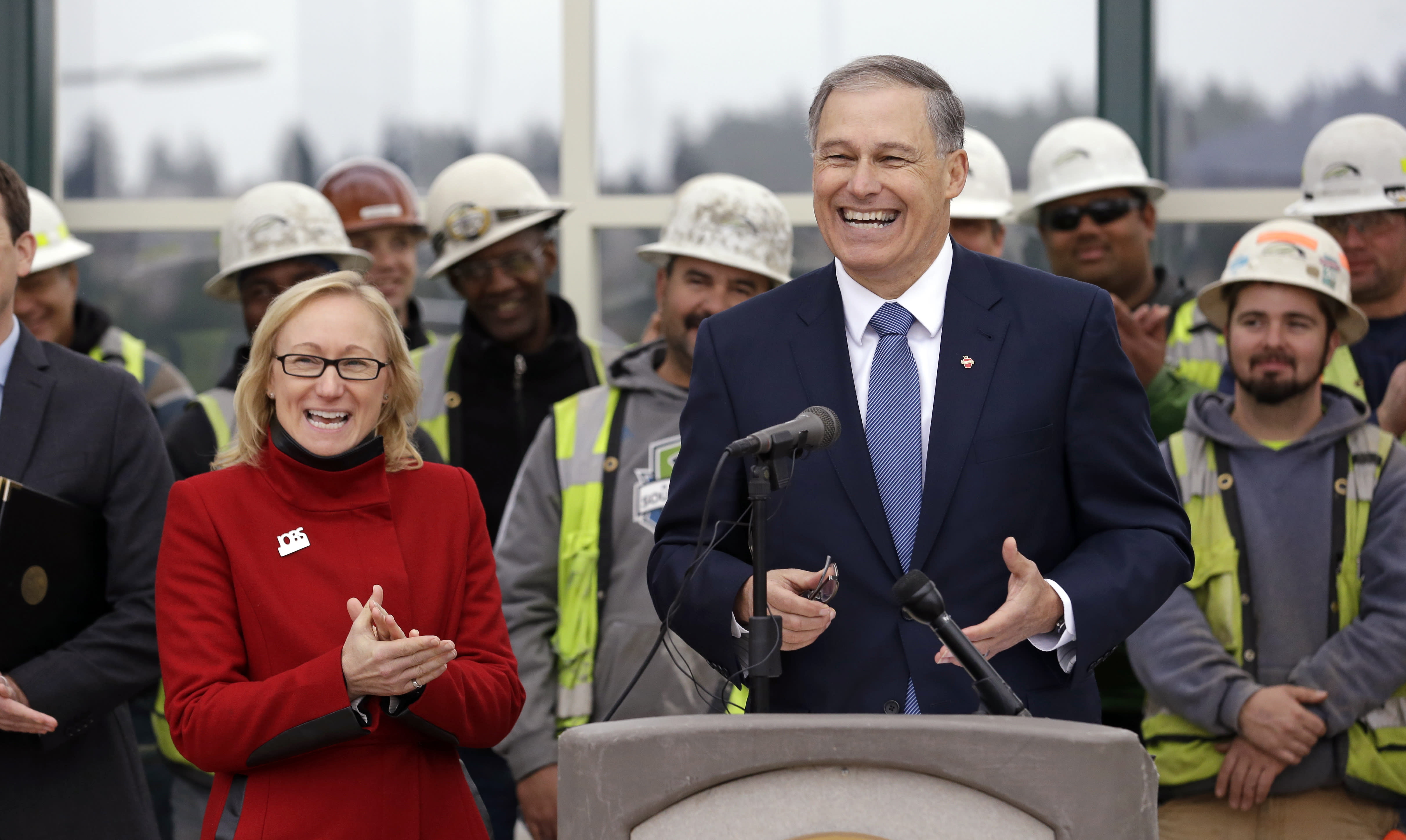 Inslee wants carbon tax to fund transportation