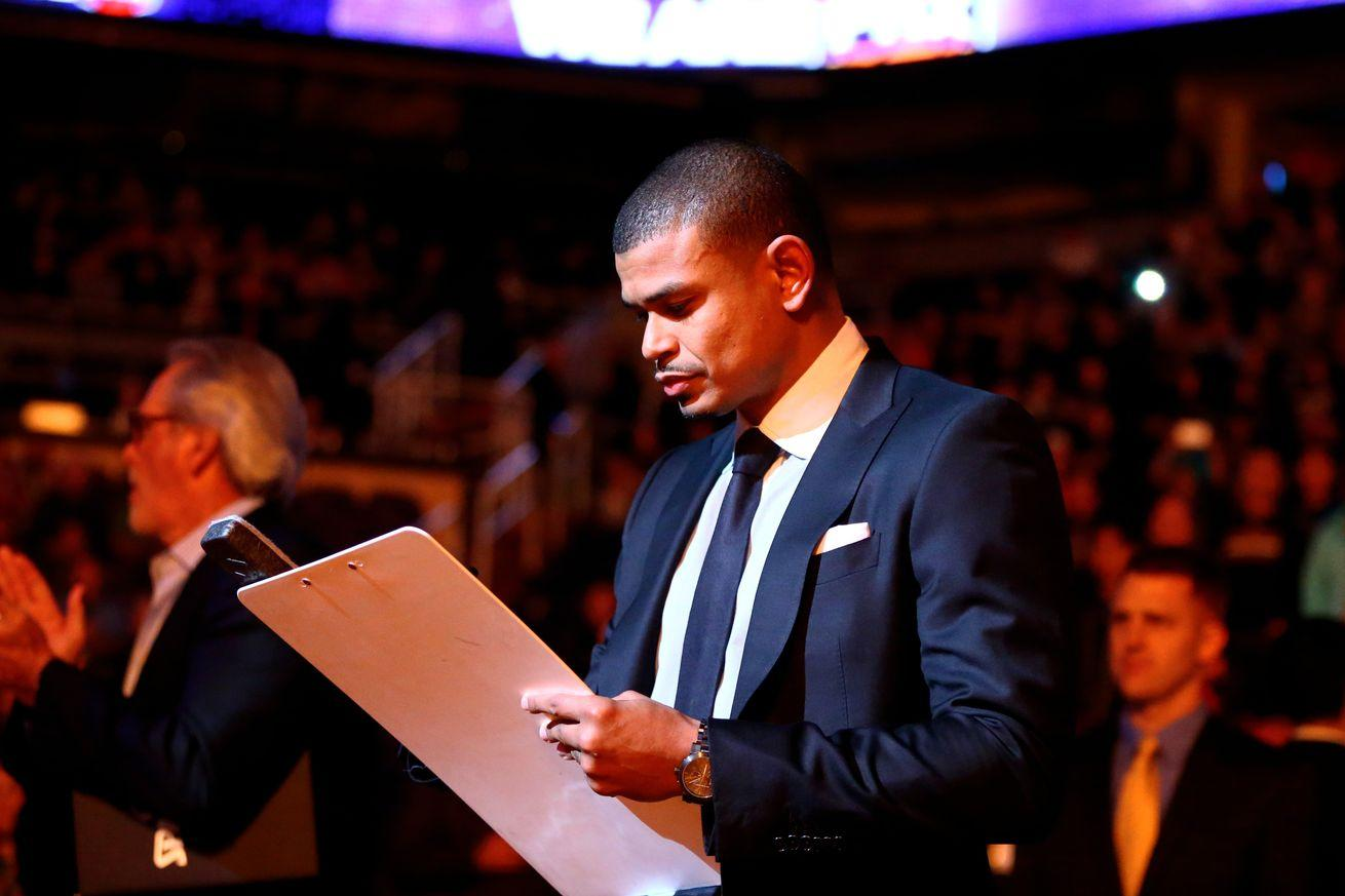 NBA scores 2016: Under Earl Watson, at least the Suns aren't embarrassing themselves