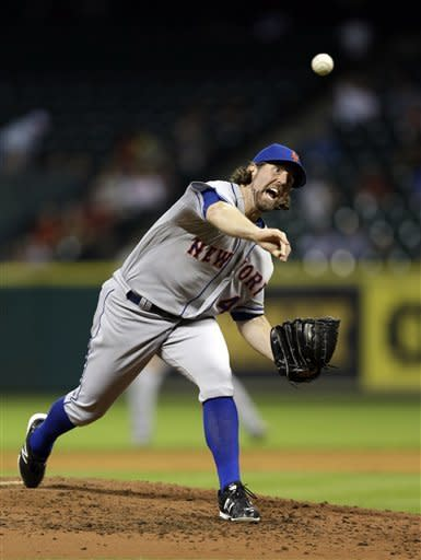 Downs hits 2-run HR to help Astros beat Mets 4-3