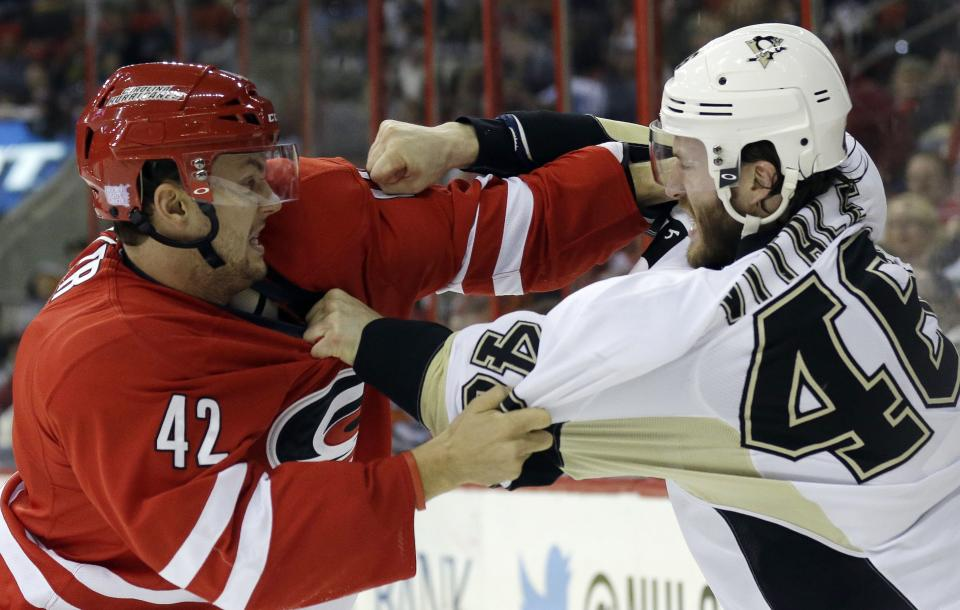 Rookie Megna lifts Penguins past Canes, 3-1