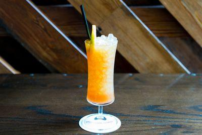 Drinks Outshine the Food at Danny Meyer's First Standalone Bar Porchlight