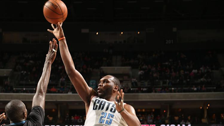 Jefferson lifts Bobcats over Timberwolves 105-93