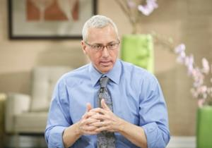 "Dr. Drew Pinsky talks to his patients battling addiction on ""Celebrity Rehab"" -- VH1"